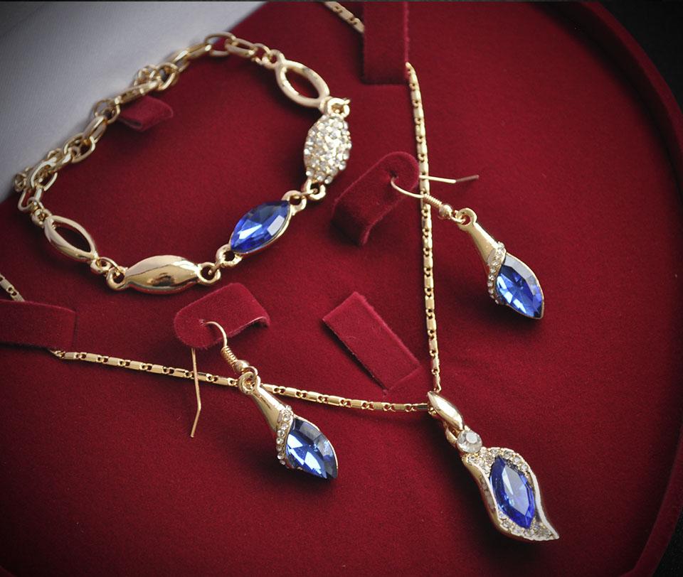Vivienne set Fameo Diamonds
