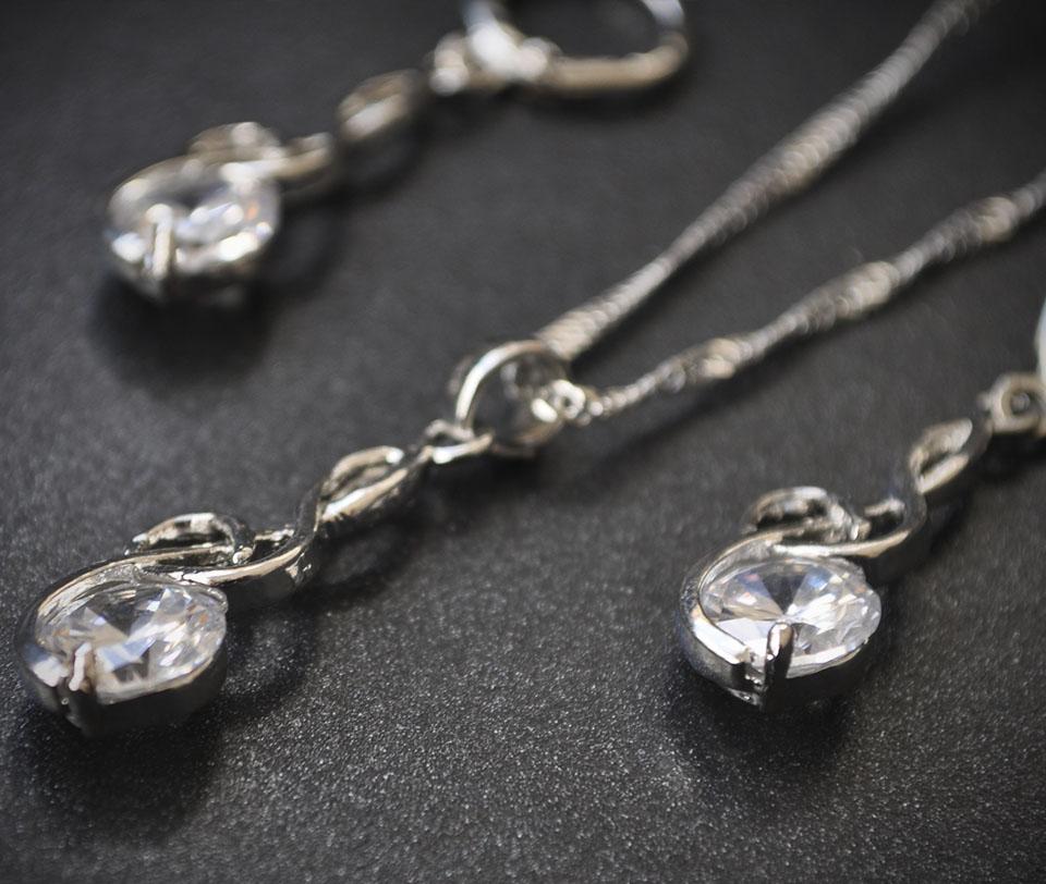 Guerra set Fameo Diamonds
