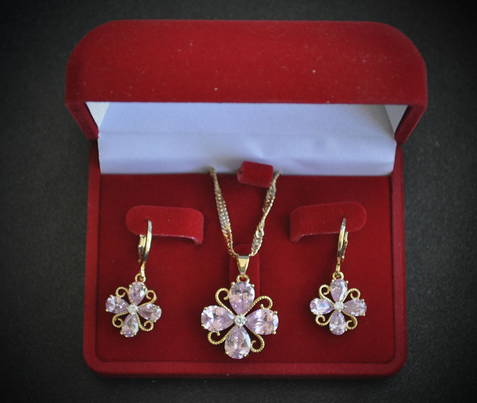 Sybilly set Fameo Diamonds