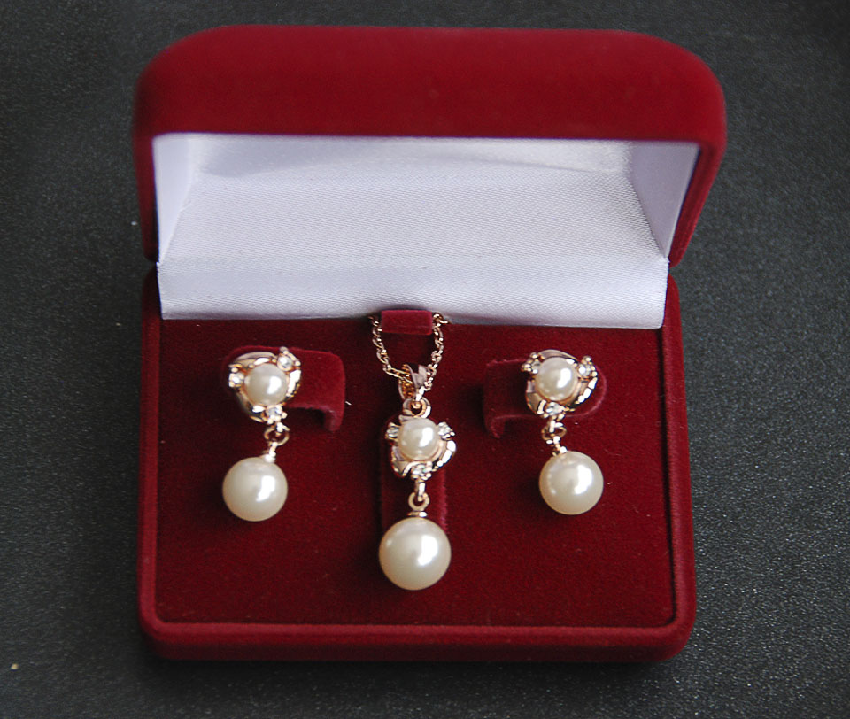 Marcella set Fameo Diamonds