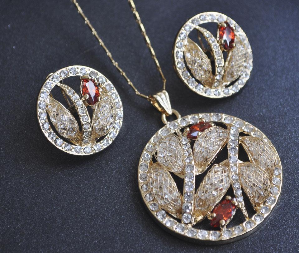 Romano set Fameo Diamonds