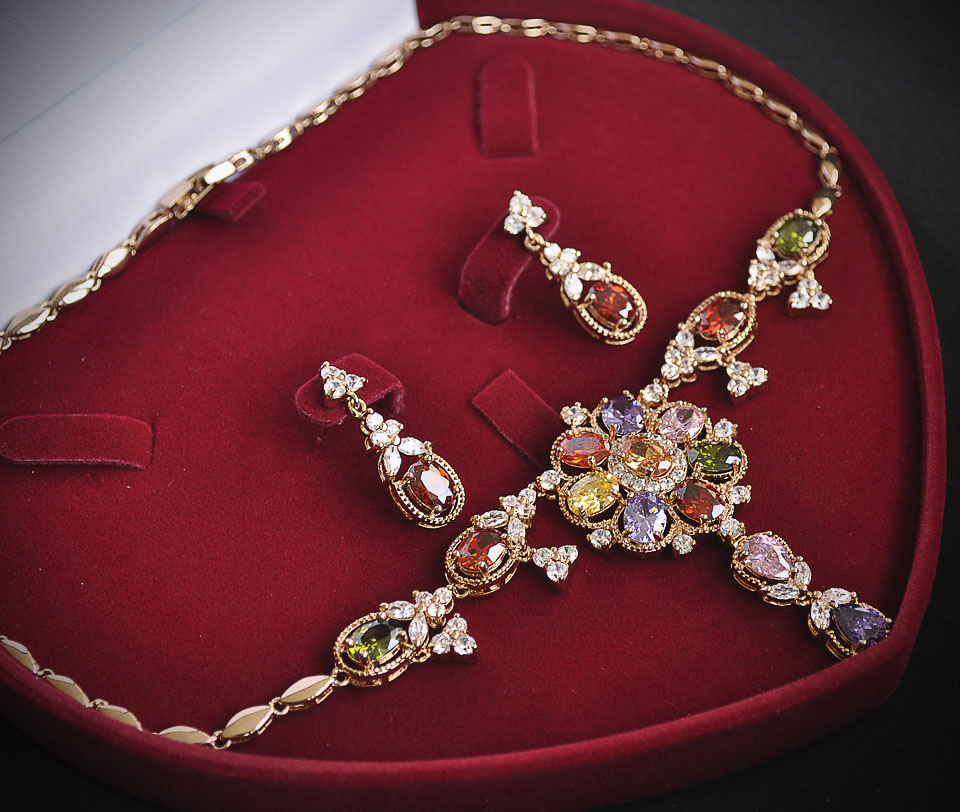 Jasmin set Fameo Diamonds
