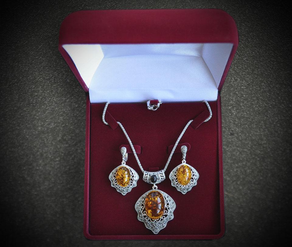 Yvon set Fameo Diamonds