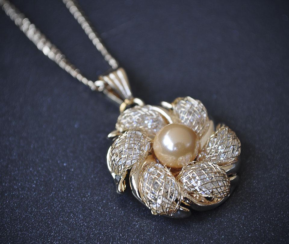 Gaia set Fameo Diamonds