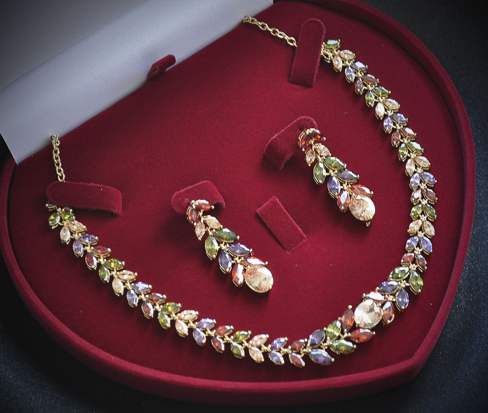 Jacqueline set Fameo Diamonds