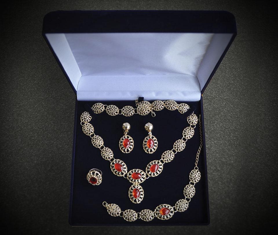 Filippa set Fameo Diamonds