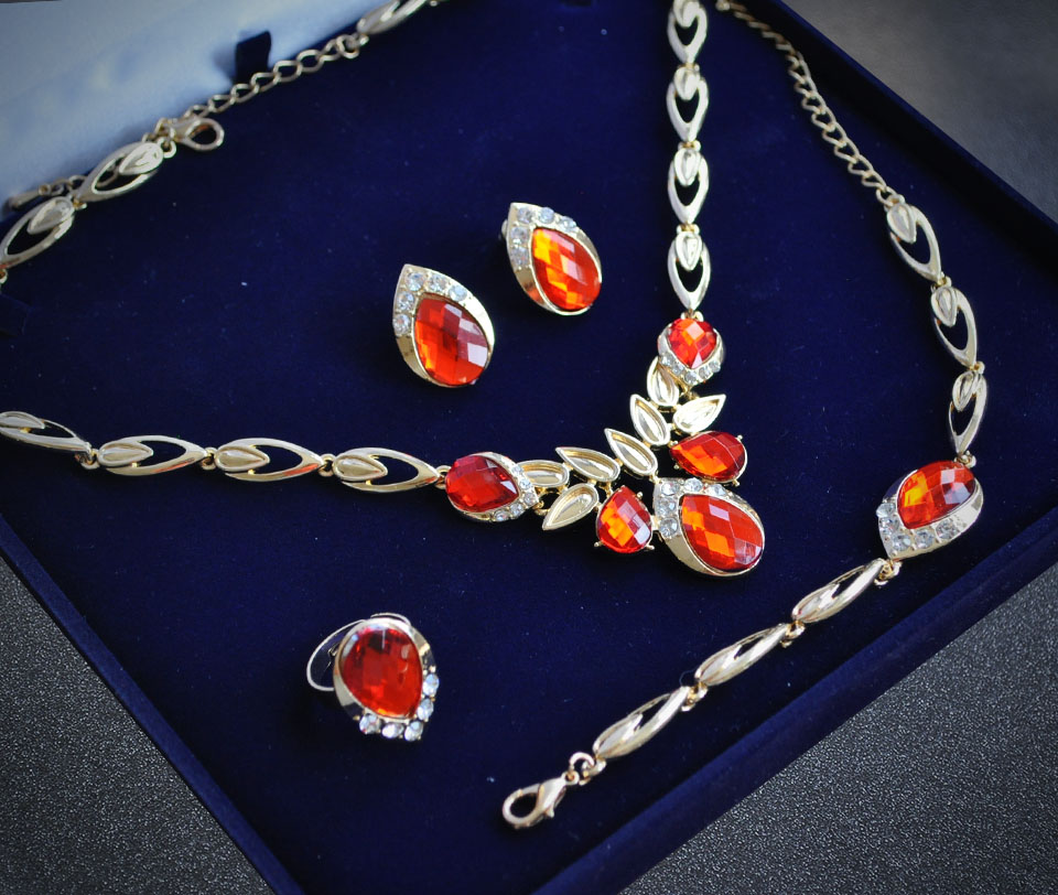 Letizia set Fameo Diamonds