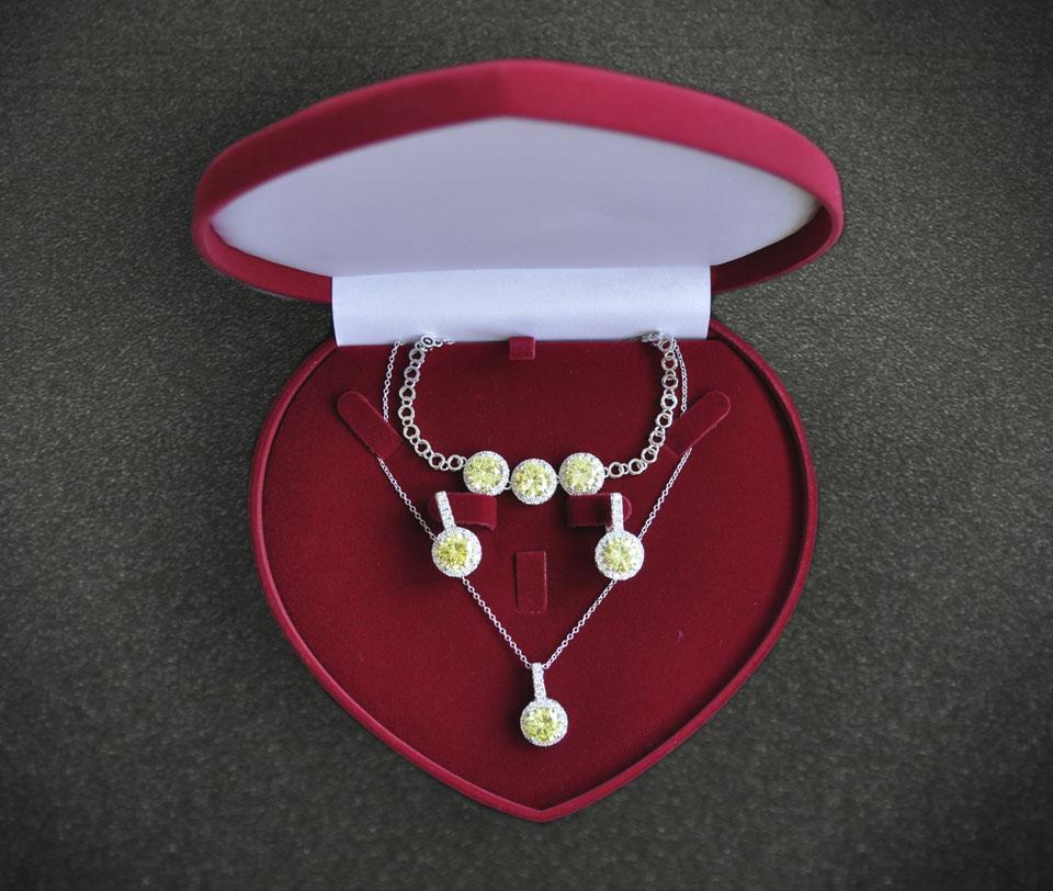 Royal vogue set Fameo Diamonds