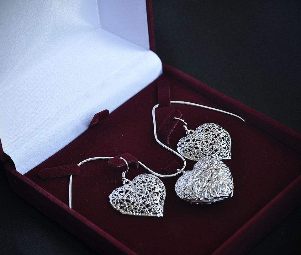 Tessa set Fameo Diamonds