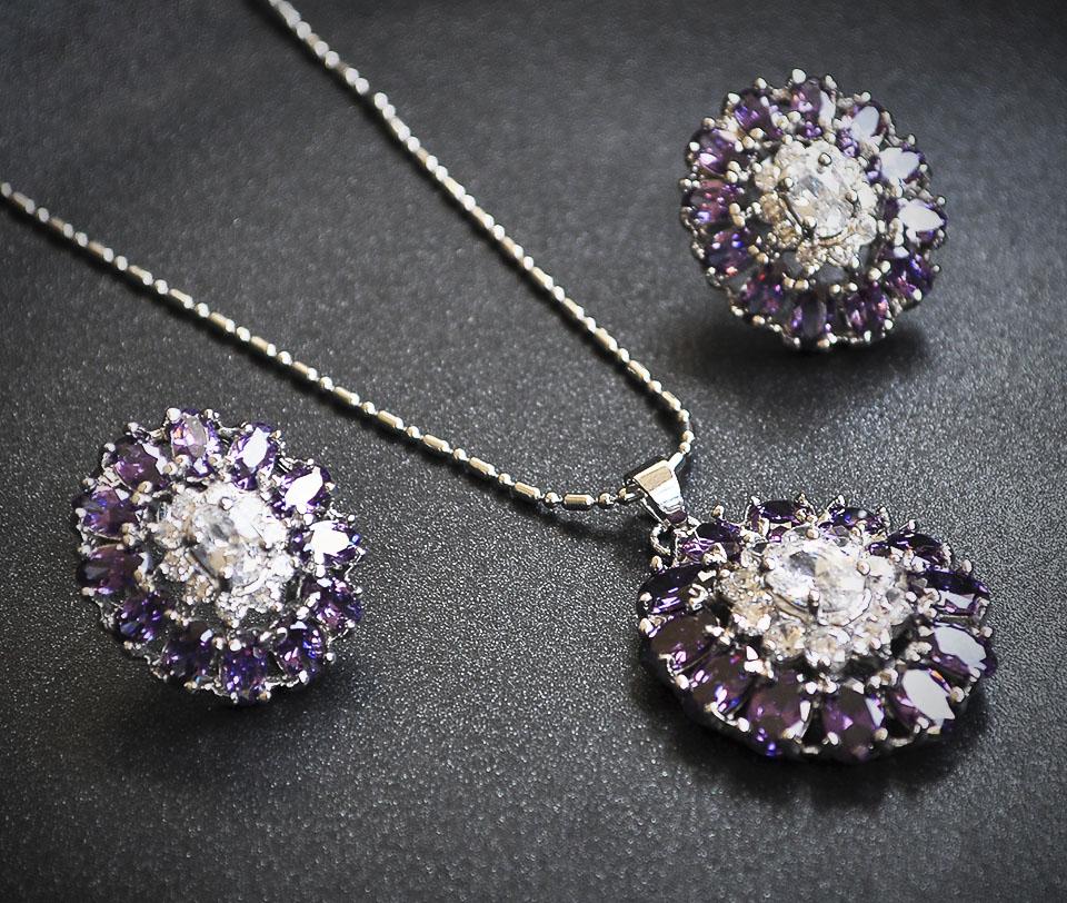 Altamira set Fameo Diamonds